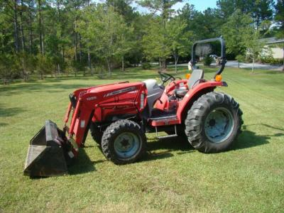 MASSEY FERGUSON Model 1533 4WD Tractor with MF 1525 Front Loader, Diesel power, Showing 1109 hrs, Excellent Condition, Garage kept, Ser.# JPA-84324
