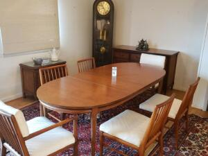 Hickory White Table with Six (6) Chairs and Two (2) Leaves. Great Condition! Dimensions: 60.5 in. W x 40 in. D x 29.25 in. H