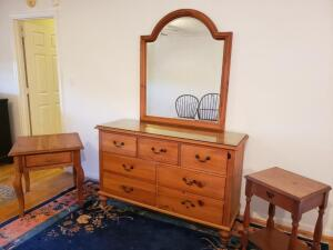 Dresser w// Mirrow and 2 End Tables Pennsylvania House Antique Dresser with Large Mirror- Excellent Condition. 2) Mahogany nightstand with Drawer