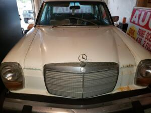 1974 MERCEDES 240D, 4 DOOR SEDAN DIESEL, SELLING AS A PARTS CAR ONLY - SELLING WITH NO TITLE, VIN: 11511710006337. Has been stored in garage.