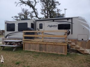 31 ft. REFLECTION Grand Design RV / Camper, with 3 Slide-Outs & Abundant Extras. Like new 2016 model totally set up in a Coastal Waterfront RV Park