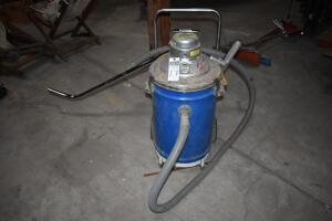 "MASTERCRAFT ""Heppa"" industrial shop vac - working order. PLEASE VIEW ALL PHOTOS"