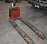 AMERICAN LOAD LIFT Pallet Jack, in working order. PLEASE VIEW ALL PHOTOS