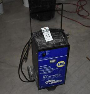 NAPA 85-1010 Battery Charger and Starter 12 V - 200/60/40/2 AMP. PLEASE VIEW ALL PHOTOS