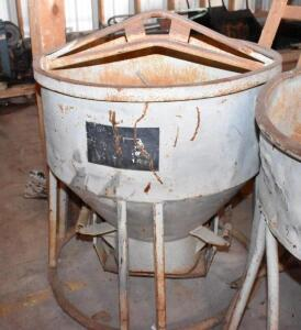 One yard Concrete Bucket / Rock Bucket. Good working order, Ready to work condition. PLEASE VIEW ALL PHOTOS