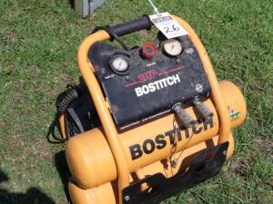 BOSTITCH 4.5 Gallon 2HP Oil Lube Industrial Air Compressor w/ Roll Cage Style Handle Pro 135 max PSI 4.5. PLEASE VIEW ALL PHOTOS