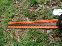 STIHL HS80 Double Sided Hedge Trimmer 33 in. Good Working Condition This gas-powered hedge trimmer boasts less weight and greater fuel efficiency - 4