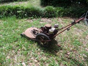 BRIGGS & STRATTON Self Propelled Lawnmower - Works Great!