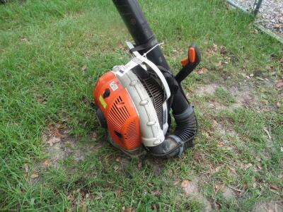 "STIHL BR 800 SEGC 4-Mix Backpack - Runs Great! ""American-built"" BR 800 is the ideal machine for professional landscaper with a 4.4 bhp engine"