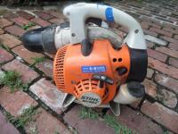 STIHL SH 56C Gas-Powered Shredder Vac/Leaf Blower; weighing 11.5 lbs. Two stroke engine with a fuel ratio 50:1 Easy 2 Start System Works Great! - 4