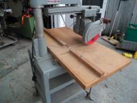 ROCKWELL Delta Super 900 Radial Arm Saw 1-1/2HP, 220V. SR#:CE6674 Working Height - Approx. 34 in. Power Stroke - Pneumatic Cylinder, 6.50 in. - 7