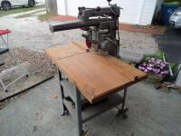 ROCKWELL Delta Super 900 Radial Arm Saw 1-1/2HP, 220V. SR#:CE6674 Working Height - Approx. 34 in. Power Stroke - Pneumatic Cylinder, 6.50 in. - 8
