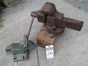 Railroad SIMPLEX 415 Steel Slide Vice and Vintage WILTON 121118 Tilt Base Vise 4 Inch Jaws Mechanically Sound and Works Great with Tilting Handle