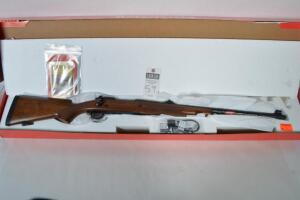 WINCHESTER Model 70 SAFARI EXPRESS, CAL. .458 WIN MAG., Bolt Action, 24in. Blued barrel. Walnut stock and forearm, NID w/ docs, Serial # 35CZX00979