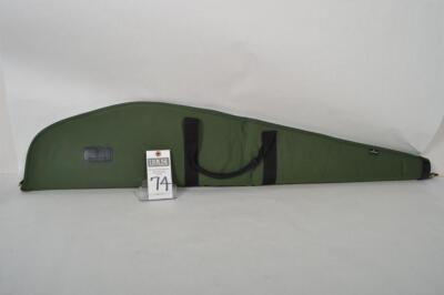 BROWNING green nylon scoped rifle case. Measures 46 inches. Overall excellent condition