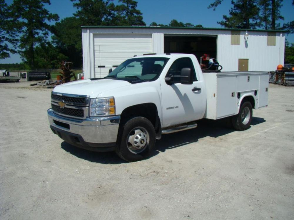 2011 CHEVROLET 3500HD 4-WD Service Truck, with VORTEC Engine