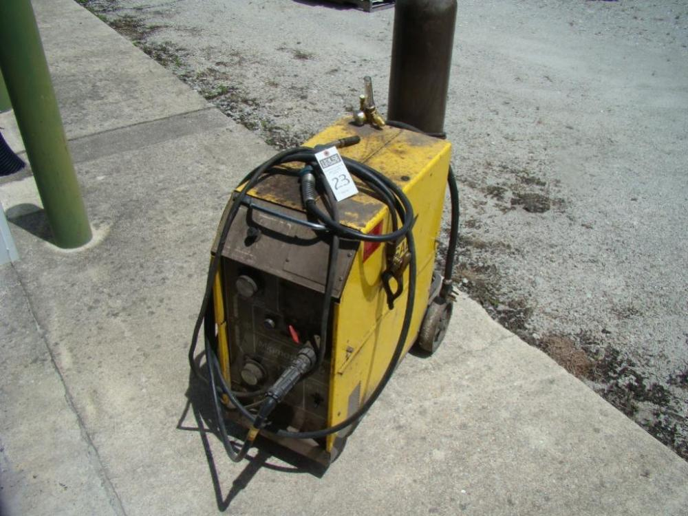 ESAB MigMaster 250 Mig Welder With Tank With Leads And Mig Gun